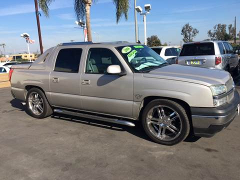 2006 Chevrolet Avalanche for sale at CARSTER in Huntington Beach CA