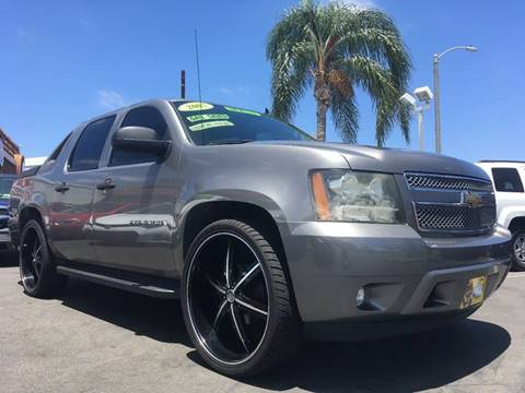 2007 Chevrolet Avalanche for sale at CARSTER in Huntington Beach CA