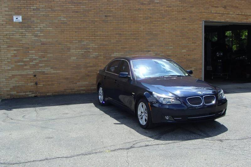 2010 BMW 5 Series AWD 528i xDrive 4dr Sedan - Grand Rapids MI