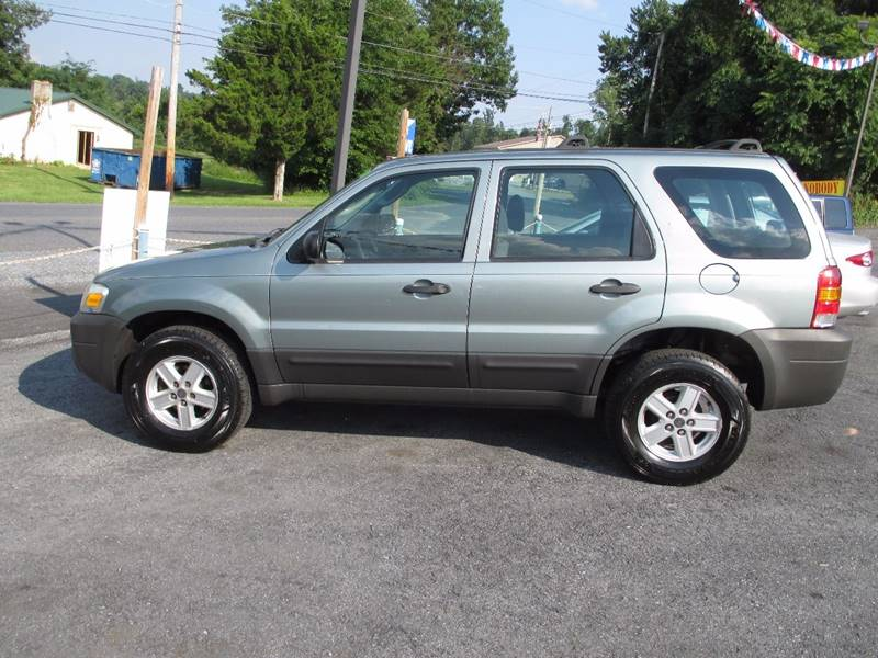 2005 Ford Escape AWD XLS 4dr SUV - Etters PA