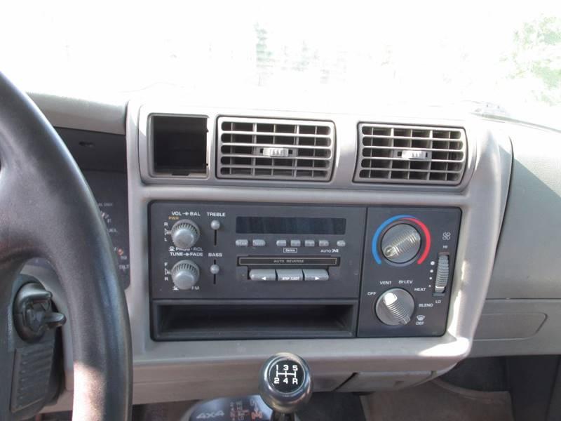 1995 Chevrolet S-10 2dr 4WD Standard Cab SB - Etters PA