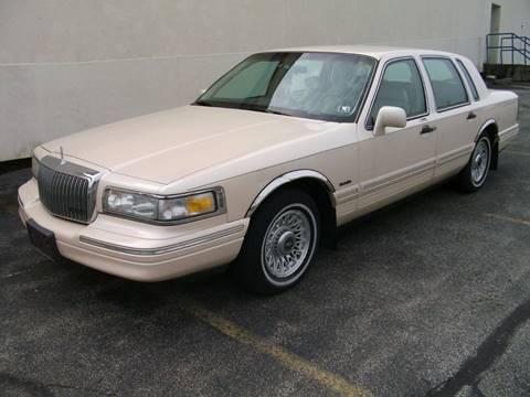 1997 Lincoln Town Car for sale in Youngstown, OH