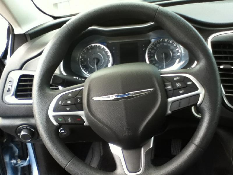 2015 Chrysler 200 Limited 4dr Sedan - Mc Cook NE