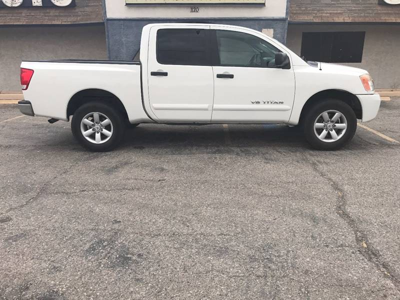 2010 Nissan Titan for sale at Alien Auto Sales in Henderson NV