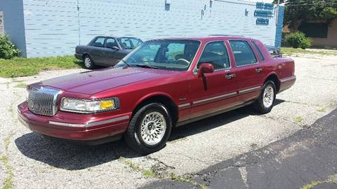 1997 Lincoln Town Car for sale at Affordable Auto Sales of Kenosha in Kenosha WI