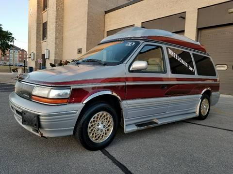 1995 Chrysler Town and Country for sale at Affordable Auto Sales of Kenosha in Kenosha WI
