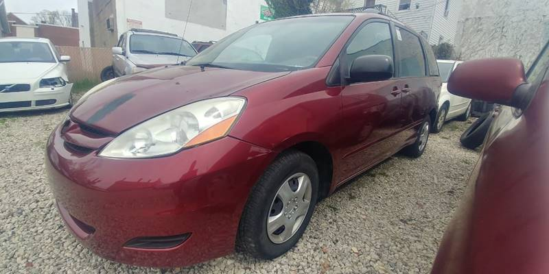 2008 Toyota Sienna for sale at Car Kings in Cincinnati OH