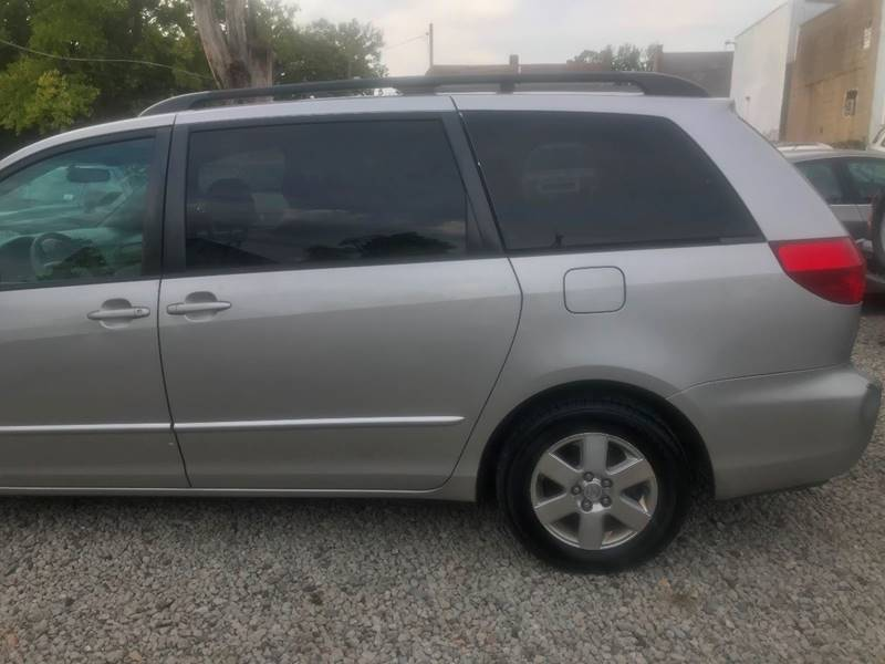 2004 Toyota Sienna for sale at Car Kings in Cincinnati OH