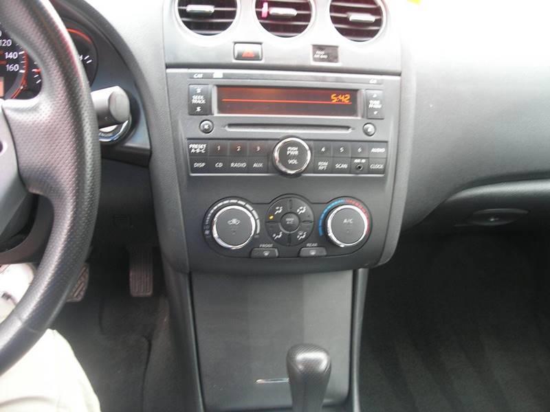 2009 Nissan Altima 2.5 S 4dr Sedan CVT - Green Bay WI