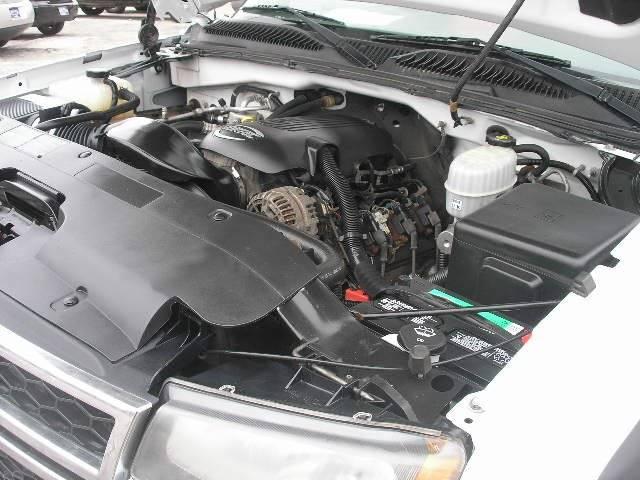 2006 Chevrolet Silverado 2500HD Work Truck 2dr Regular Cab 4WD LB - Green Bay WI