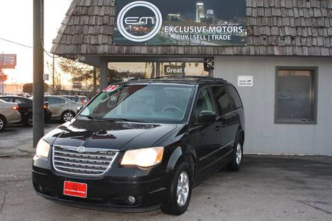 2009 Chrysler Town and Country for sale in Omaha, NE
