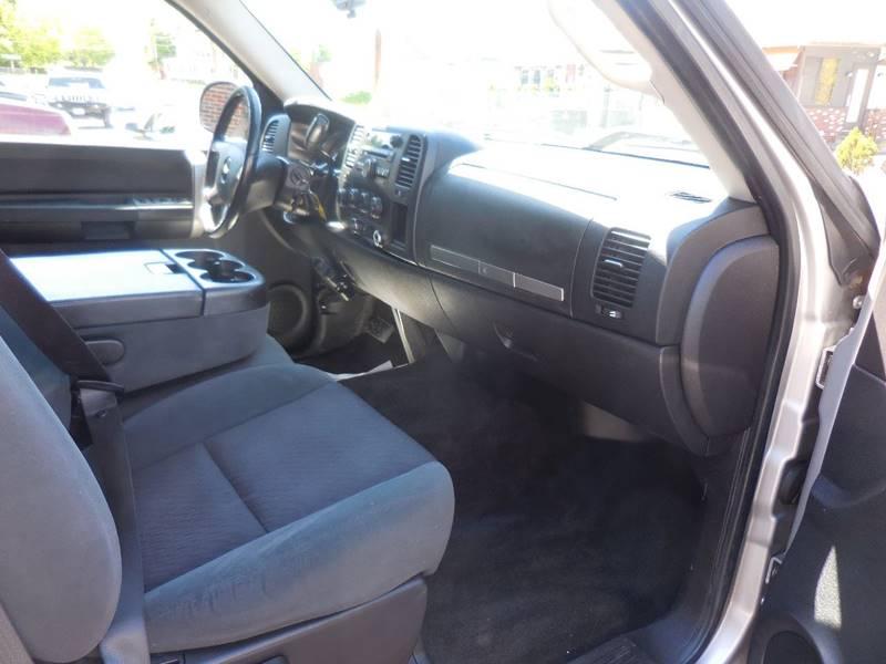 2009 Chevrolet Silverado 1500 4x4 LT 4dr Extended Cab 6.5 ft. SB - Smithfield RI