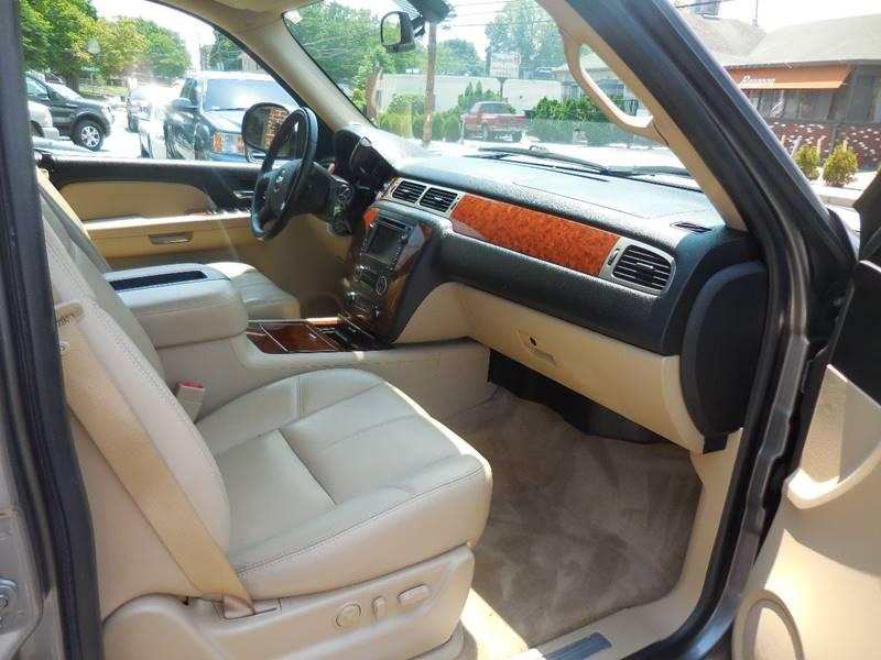 2008 Chevrolet Tahoe 4x4 LTZ 4dr SUV - Smithfield RI