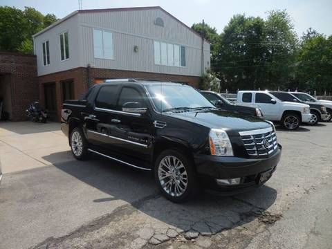 2007 Cadillac Escalade EXT for sale at 401 Auto Sales & Service in Smithfield RI