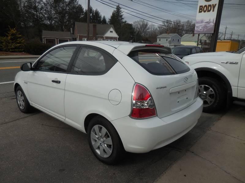 2011 Hyundai Accent GL 2dr Hatchback - Smithfield RI