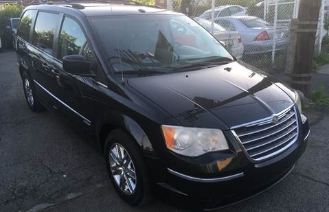 2010 Chrysler Town and Country for sale in Paterson, NJ