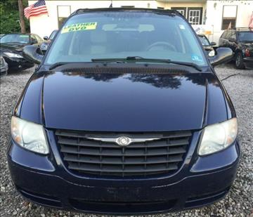 2005 Chrysler Town and Country for sale in Jersey City, NJ