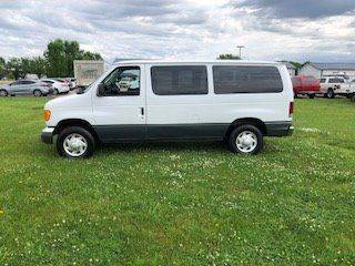2005 Ford E-Series Wagon for sale in Sioux Falls, SD