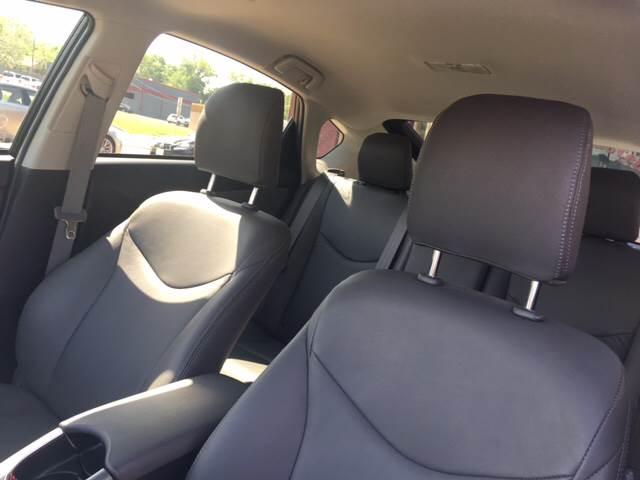2013 Toyota Prius Four 4dr Hatchback - Tyler TX