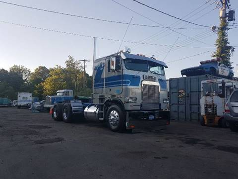 1986 Freightliner FLT for sale in Orange, CT