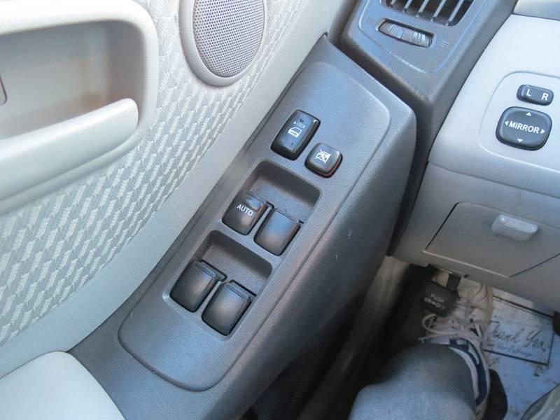 2005 Toyota Highlander AWD 4dr SUV V6 w/3rd Row - Reynoldsburg OH