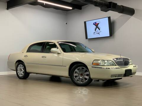 2003 Lincoln Town Car for sale at TX Auto Group in Houston TX