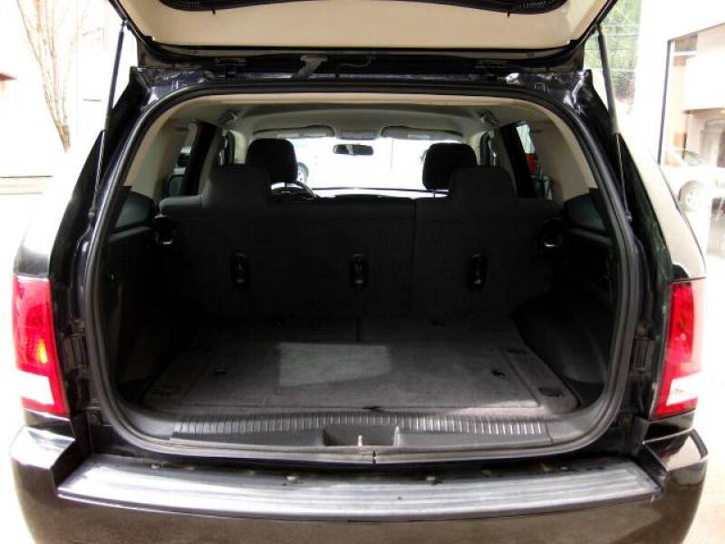 2010 Jeep Grand Cherokee Laredo (image 18)