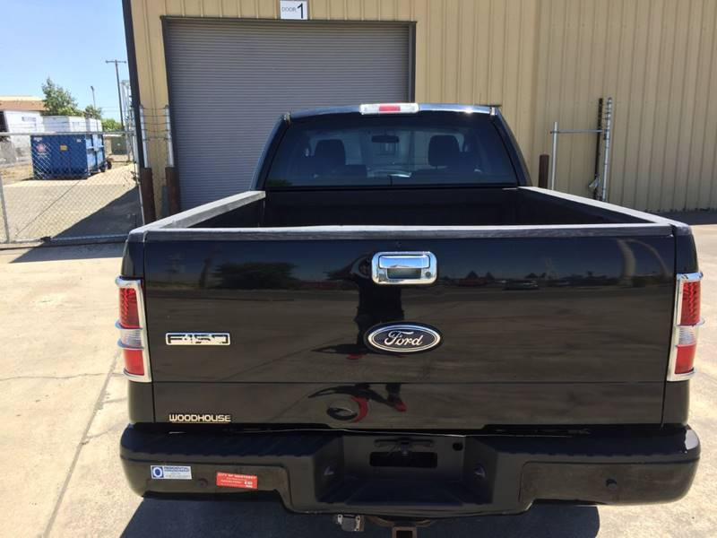 2005 Ford F-150 4dr SuperCab STX 4WD Styleside 5 5 ft  SB In
