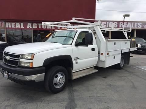 2006 Chevrolet Silverado 3500 for sale at Sanmiguel Motors in South Gate CA