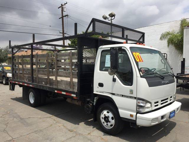 2007 Isuzu NPR HD Stake Bed 16 Ft. With Lift   South Gate CA