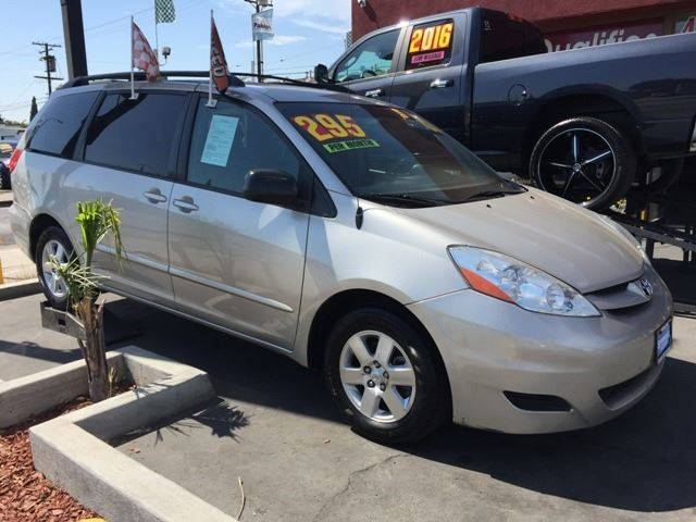 2008 Toyota Sienna for sale at Sanmiguel Motors in South Gate CA