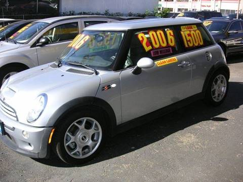 2006 MINI Cooper for sale at Sanmiguel Motors in South Gate CA