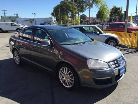 2009 Volkswagen Jetta for sale at Sanmiguel Motors in South Gate CA
