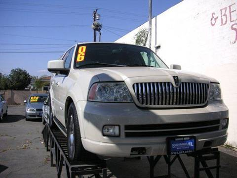 2006 Lincoln Navigator for sale at Sanmiguel Motors in South Gate CA