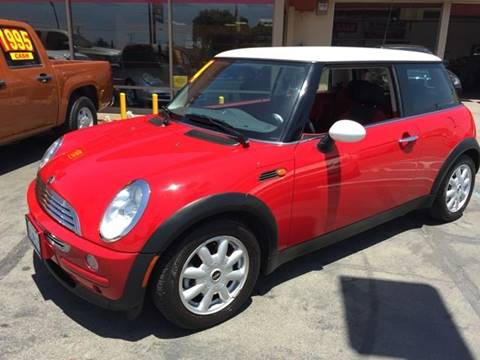 2004 MINI Cooper for sale at Sanmiguel Motors in South Gate CA