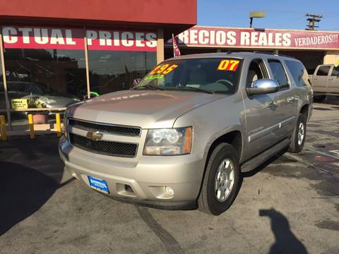 2007 Chevrolet Suburban for sale at Sanmiguel Motors in South Gate CA