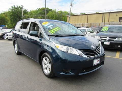 2011 Toyota Sienna for sale in Crest Hill, IL