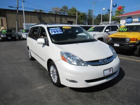 2009 Toyota Sienna for sale at Auto Land Inc in Crest Hill IL