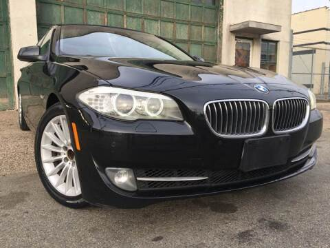 2011 BMW 5 Series 535i for sale at Illinois Auto Sales in Paterson NJ
