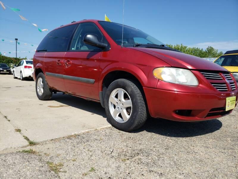 2005 Dodge Caravan for sale at Super Trooper Motors in Madison WI