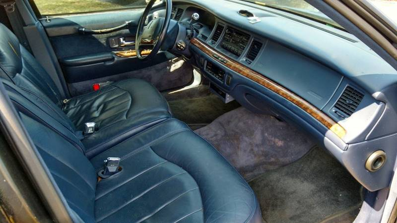 1995 Lincoln Town Car Signature 4dr Sedan In Piney Flats Tn Mr