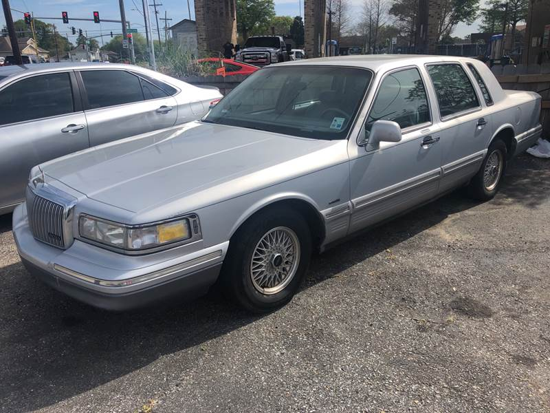 1996 Lincoln Town Car Signature