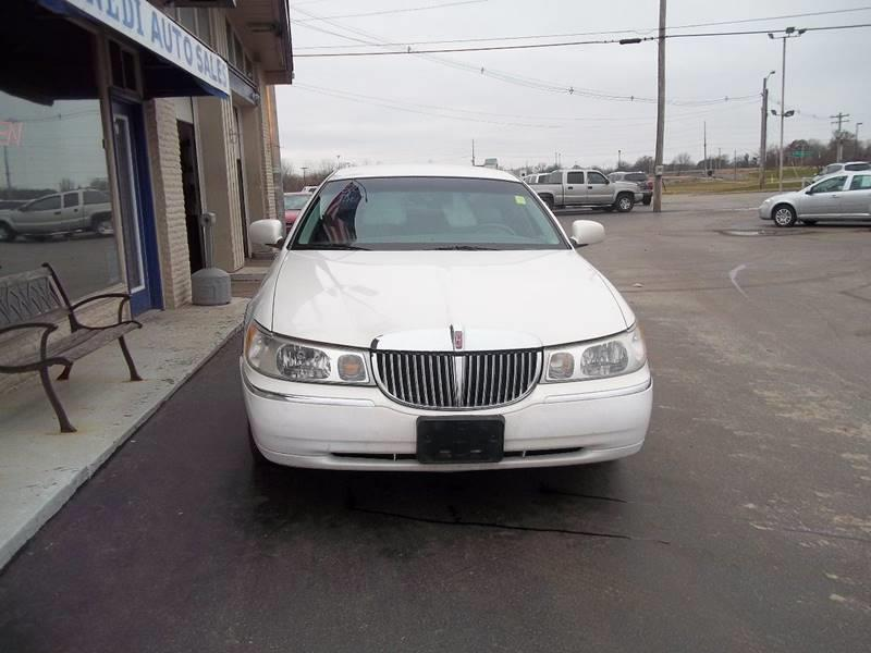 2000 Lincoln Town Car Signature 4dr Sedan In Cahokia Il Kennedi