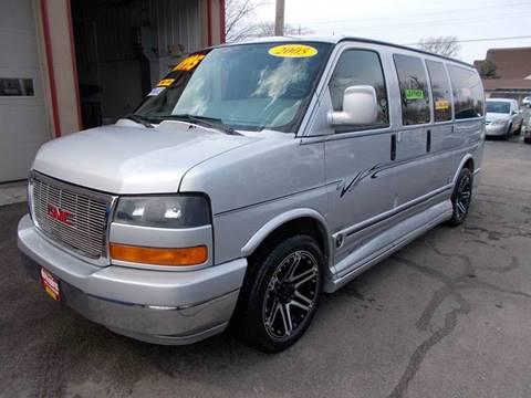 2005 GMC Savana Passenger for sale in Milwaukee, WI