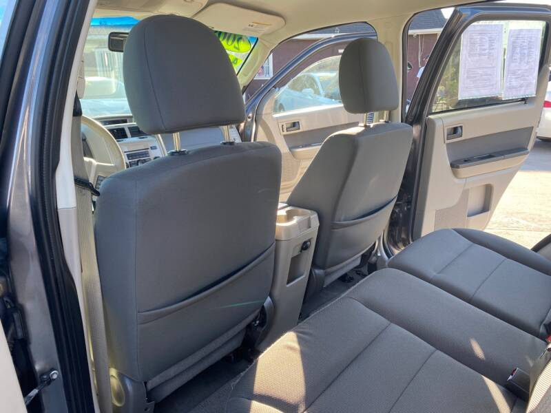 2009 Ford Escape XLT 4dr SUV - Livingston CA