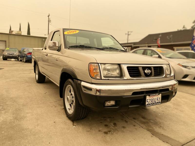 1999 Nissan Frontier 2dr XE Extended Cab SB - Livingston CA