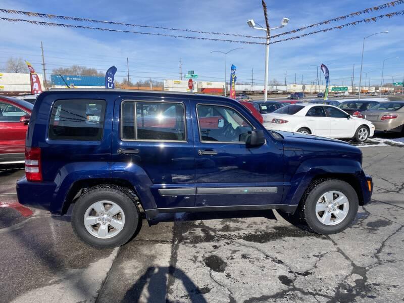 2012 Jeep Liberty (image 1)