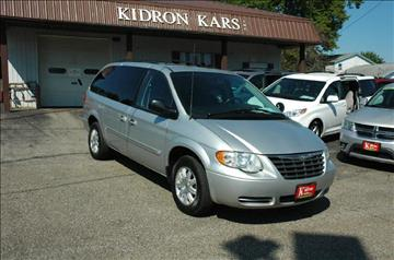 2006 Chrysler Town and Country for sale in Orrville, OH