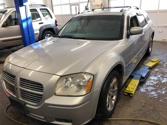2006 Dodge Magnum for sale at Barga Motors in Tewksbury MA