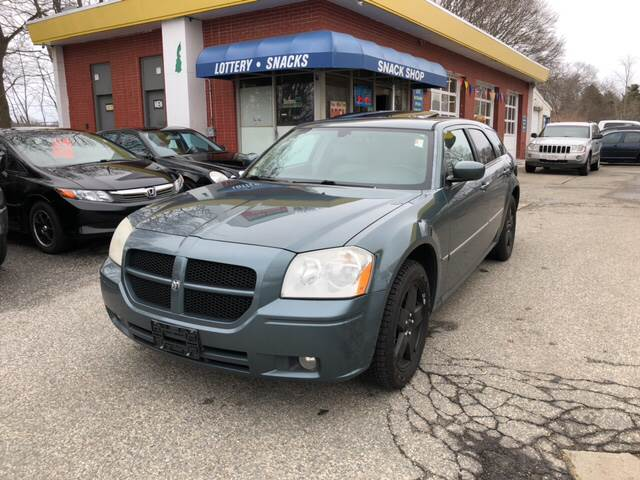 2006 Dodge Magnum for sale at Barga Motors in Tewksbury MA